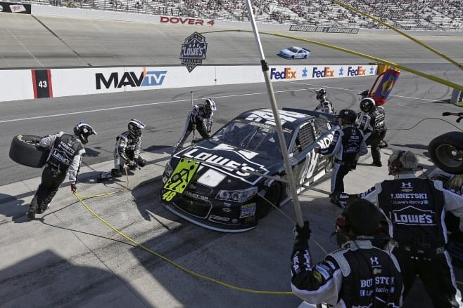2014 Dover I CUP Jimmie Johnson pit stop CIA
