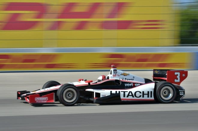 2014 IndyCar Milwaukee Castroneves on track