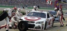 Kyle Larson pit stop at Kentucky Speedway